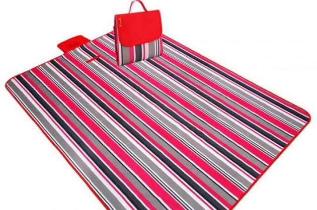Carpet for the beach and picnic
